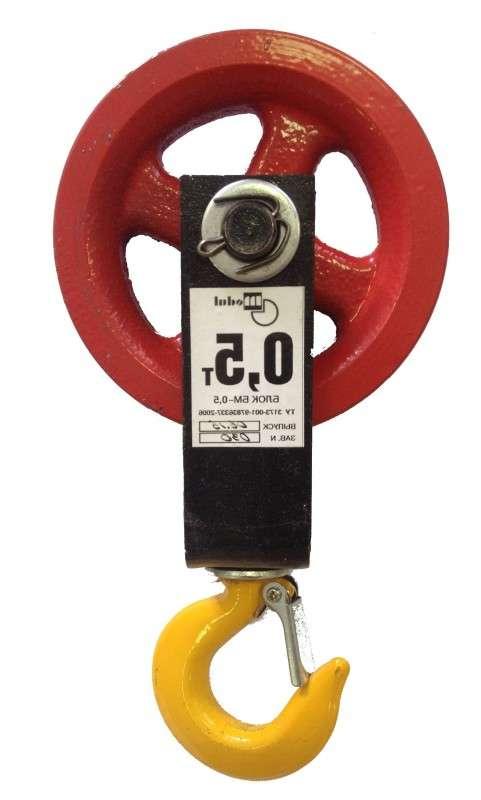 Блок монтажный под веревку 0,5 тн. с крюком